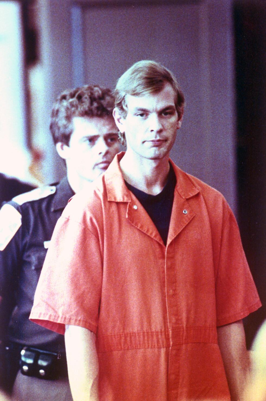 <strong>SERIEMORDER:</strong> Jeffrey Dahmer drepte 17 uskyldige menn i perioden 1978 til 1991. Her fra retten i Milwaukee County i 1991. Foto: NTB Scanpix