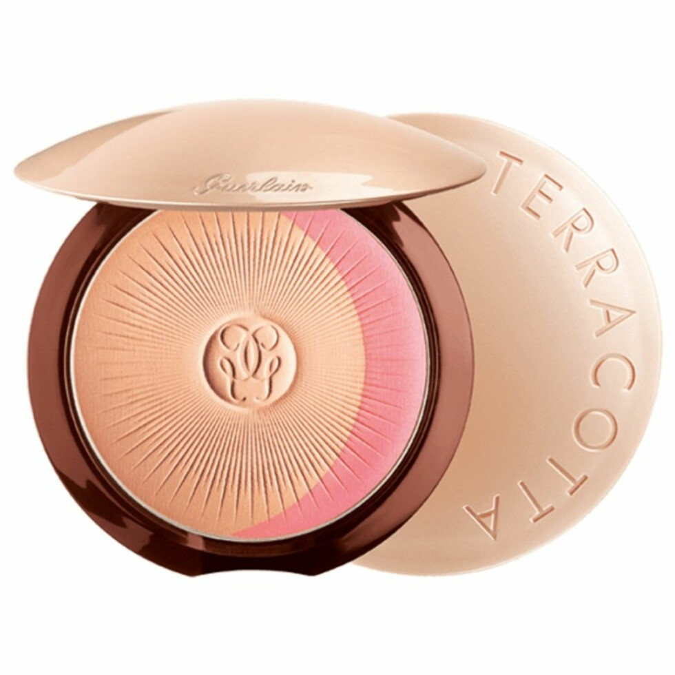 Solpudder fra Guerlain via Kicks.no |515,-| https://www.kicks.no/guerlain-/nyheter-c3652/terracotta-joli-teint-glow-powder-duo--p64519