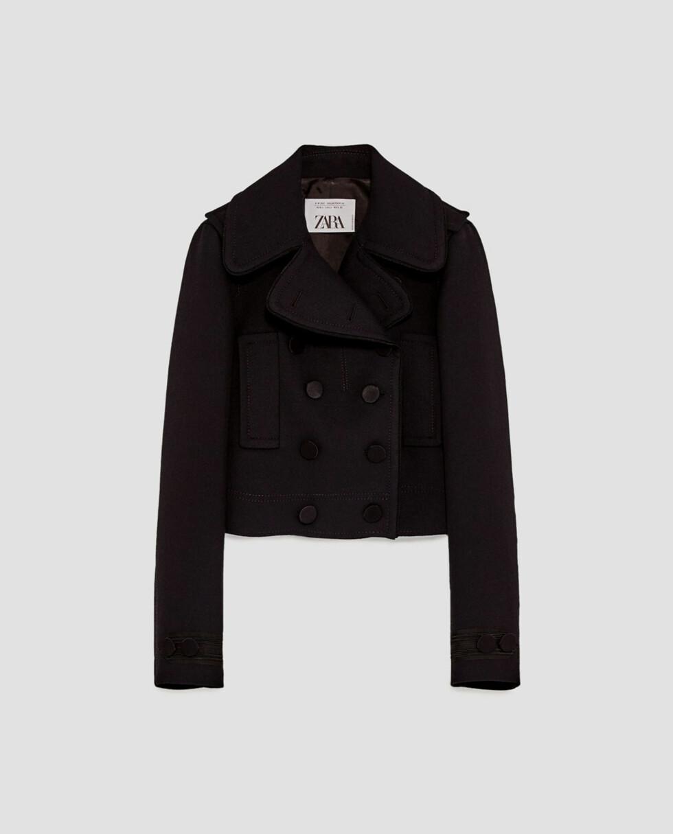 <strong>Jakke fra Zara  1199,-  https:</strong>//www.zara.com/no/no/dame/jakker/kort-ytterjakke-c269184p5133007.html