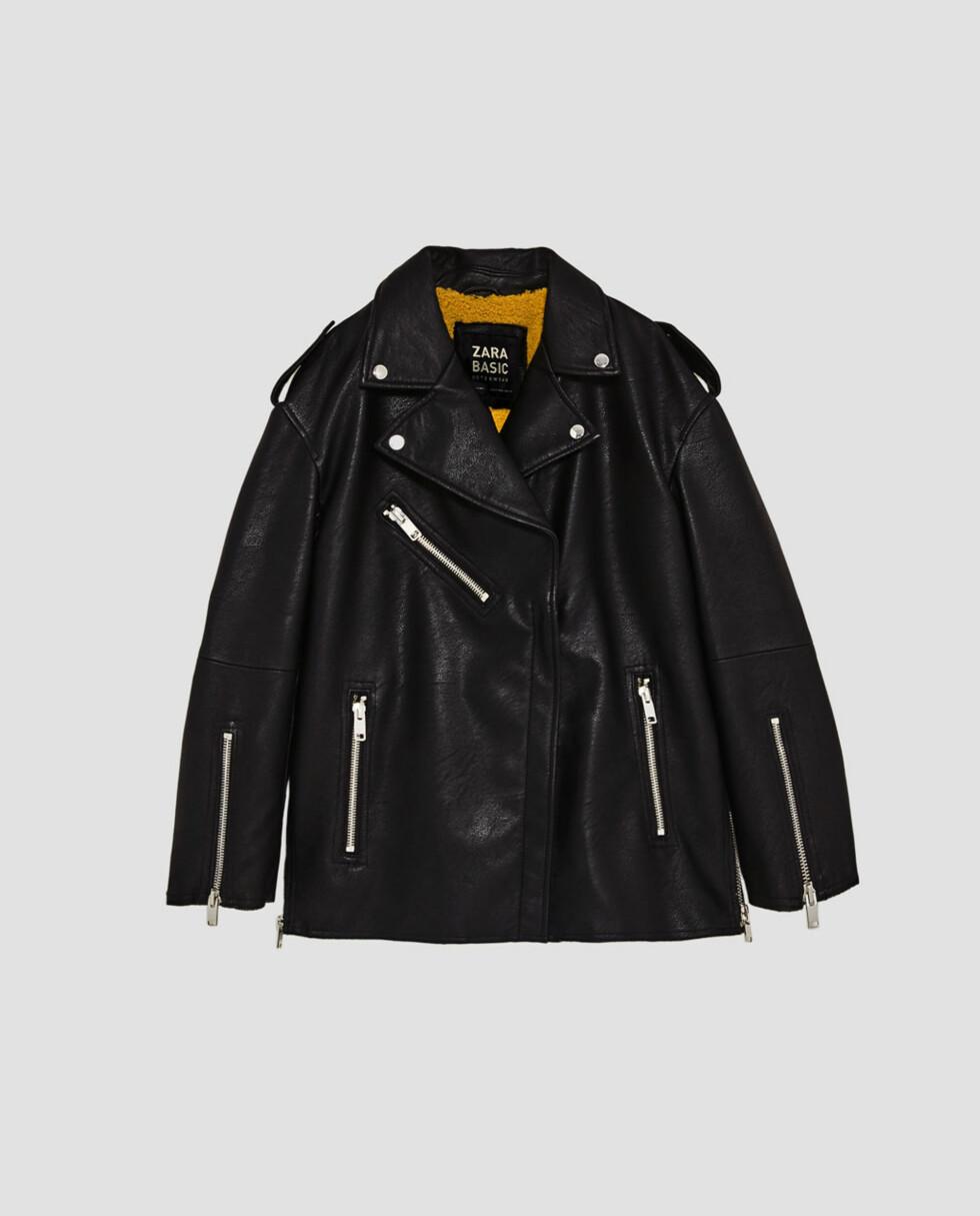 <strong>Jakke fra Zara  699,-  https:</strong>//www.zara.com/no/no/dame/jakker/oversize-ytterjakke-med-tekstur-c269184p5173094.html