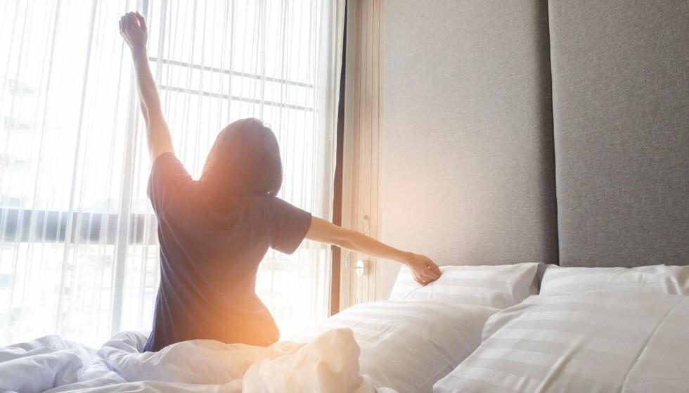 IKKE RE OPP: Husstøvmidd trives godt i madrassen i varme og fuktige miljø, derfor gjør du lurt i å la sengen være uoppredd. Foto: Scanpix.