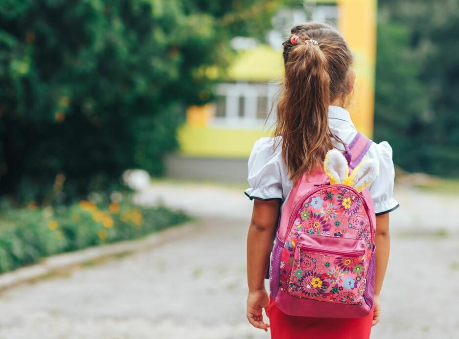 SELEKTIV MUTISME: Det som kjennetegner barn med selektiv mutisme er at de gjerne snakker hjemme med foreldre og søsken, men at de er tause på skolen og i barnehagen. Foto: Vitaliy Karimov/NTB Scanpix