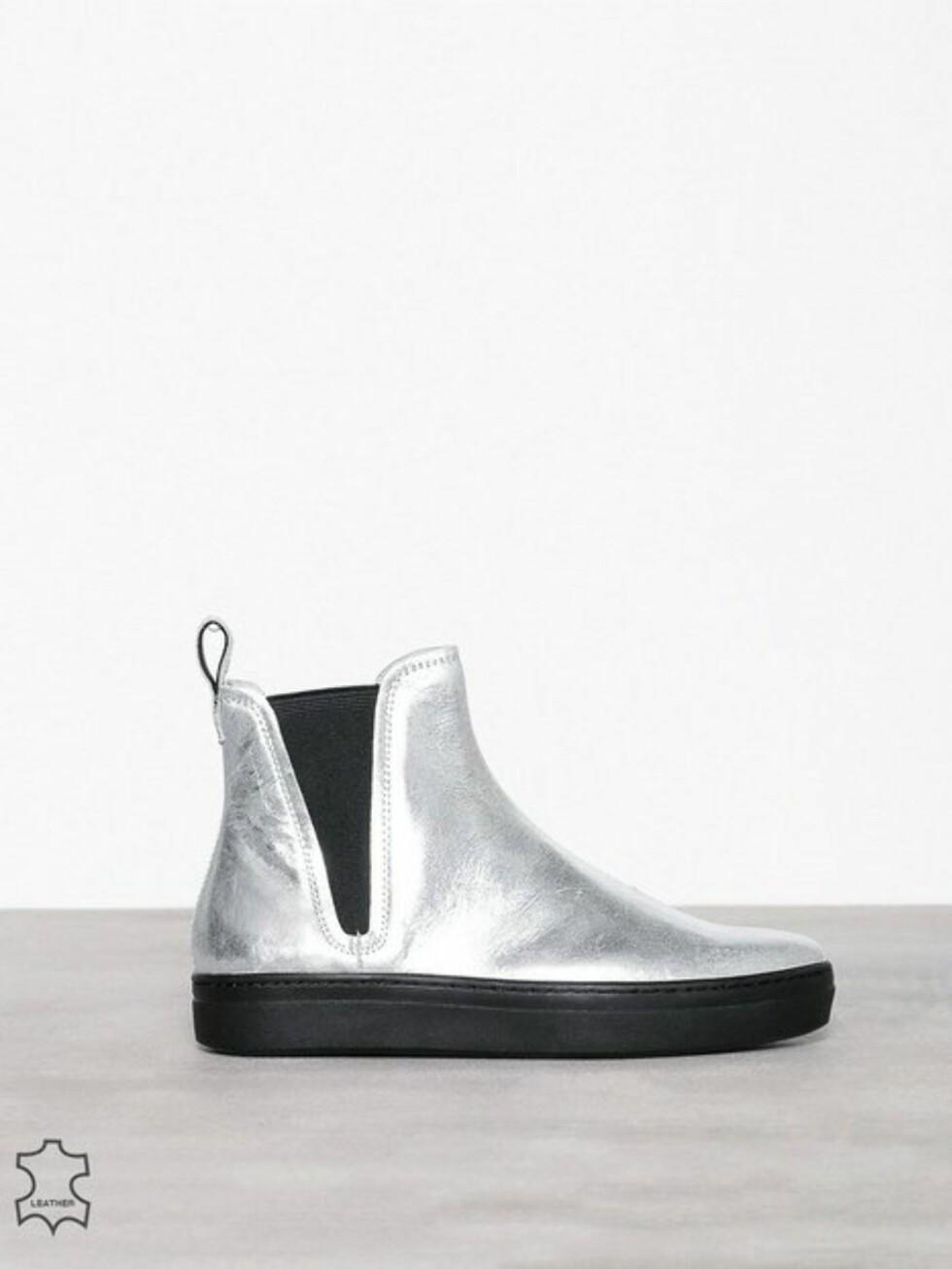 Sko fra Vagabond via Nelly.com |1199,-| https://nelly.com/no/kl%C3%A6r-til-kvinner/sko/boots-booties/vagabond-978/camille-978412-0026/