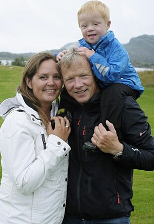 MED MAMMA OG PAPPA: – Noah gir oss veldig mye glede hver dag, sier Ann Kristin og Stig Ove. FOTO: Hege Landrø Johnsen
