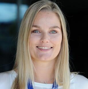 POSITIV: Leder i Jordmorforbundet, Hanne Charlotte Schjelderup, synes det er positivt at jordmødre er aktive i sosiale medier. Foto: Jordmorforbundet