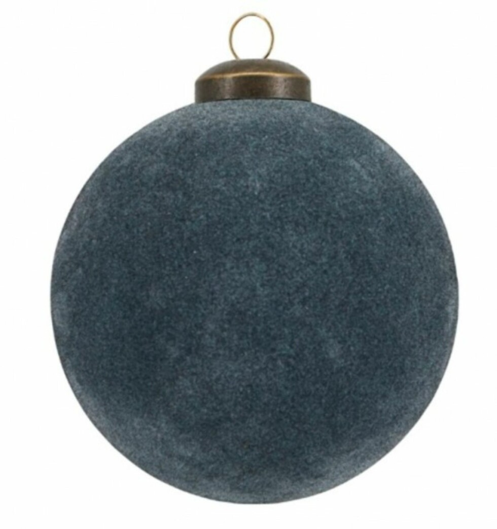 Blå julekule fra House Doctor via Hviit.no |49,-| https://www.hviit.no/products/julekule-flock-8-cm-blue