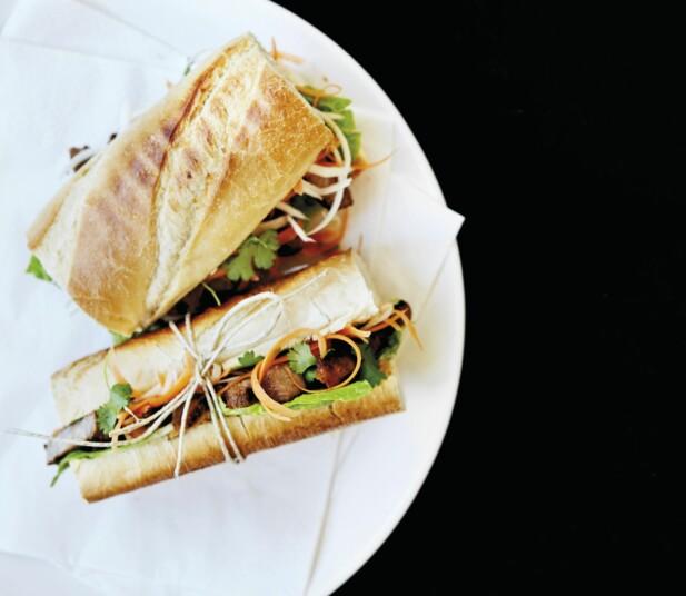 Vietnamesisk sandwich med svinekjøtt og syltede grønnsaker. FOTO: All Over Press