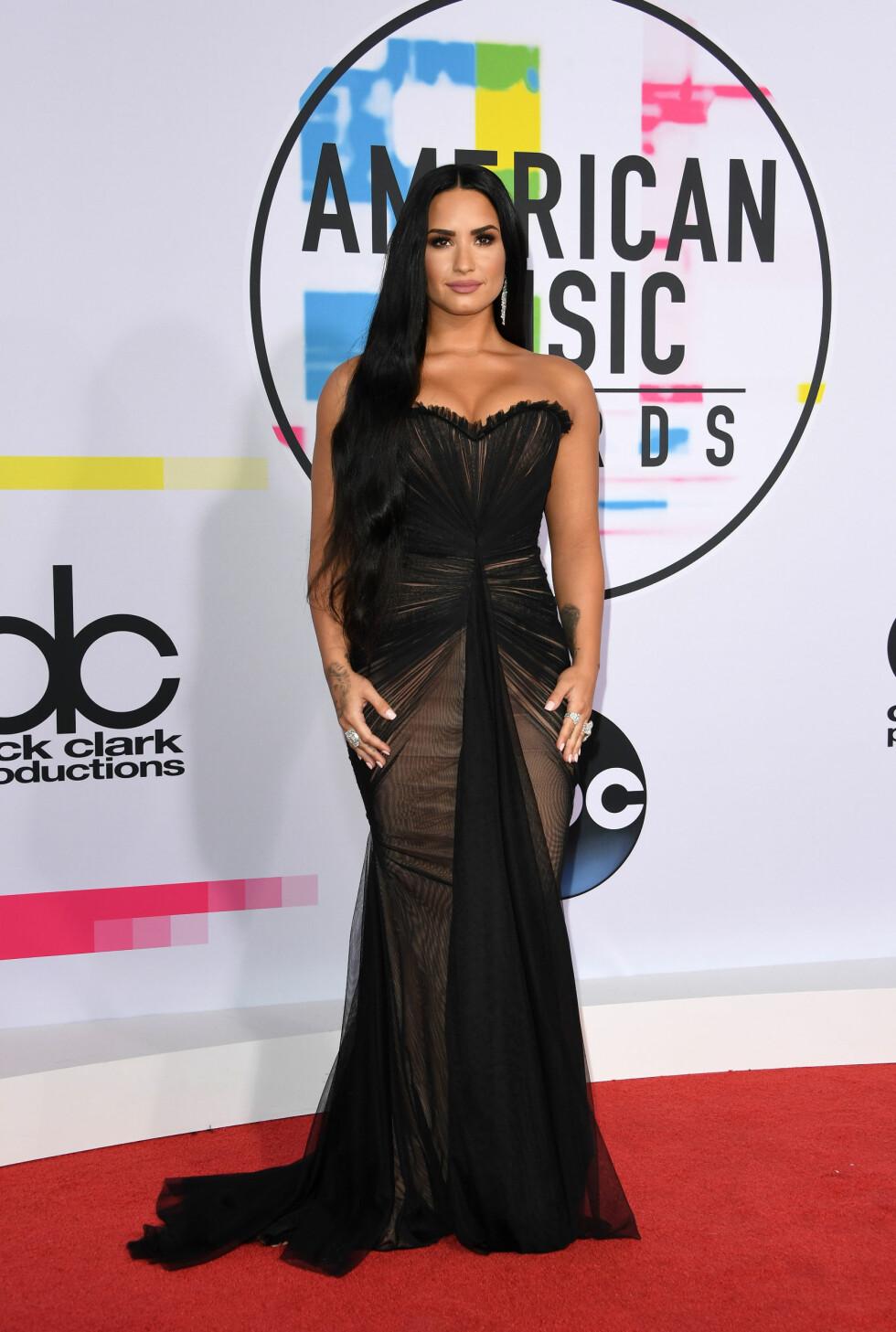 AMERICAN MUSIC AWARDS: Demi Lovato