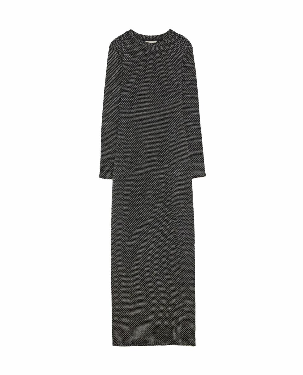 Lang kjole fra Zara |399,-| https://www.zara.com/no/no/lang-kjole-med-glitter-p03633272.html?v1=5293513&v2=965503