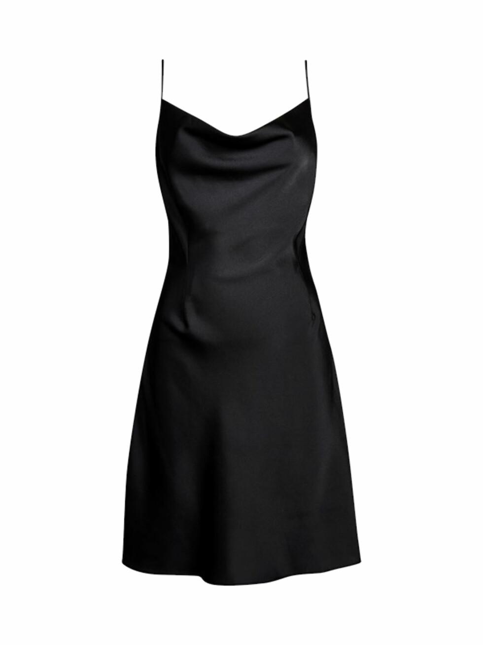 Kjole fra Bik Bok |299,-| https://bikbok.com/no/p/kjoler/scarlett-kjole/7212997_F990