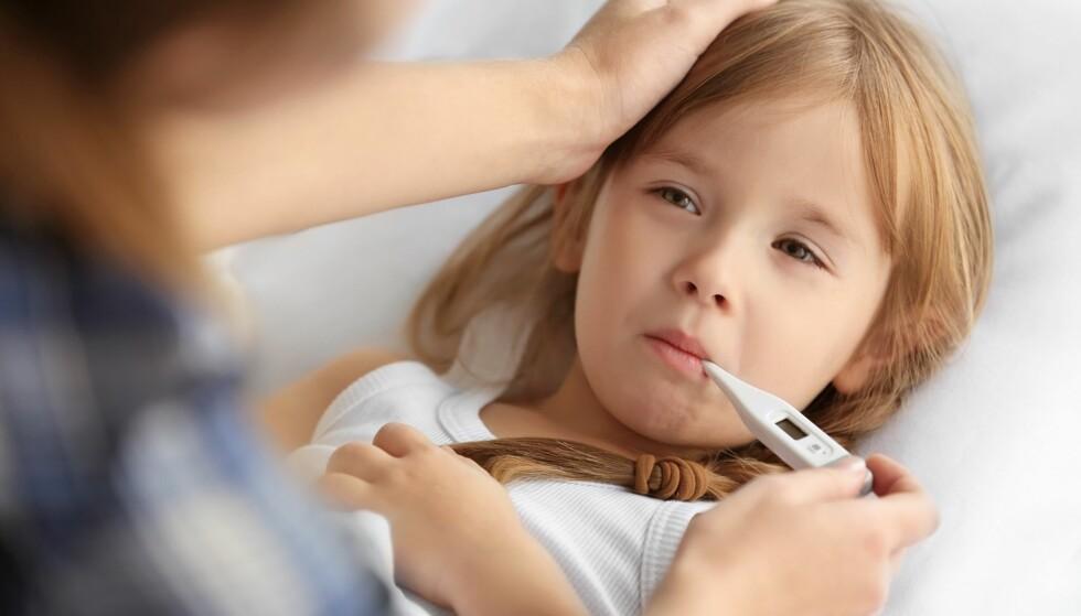 HYPOKONDER PÅ VEGNE AV BARNET: Noen foreldre kan ha overdreven helseangst på sine barns vegne. Foto: Africa Studio/NTB Scanpix