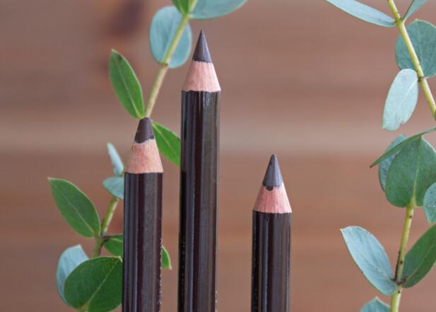 KOHL LINER: Eksperten anbefaler deg å bruke en kohl liner når du skal legge den perfekte eyelineren. FOTO: NTB Scanpix