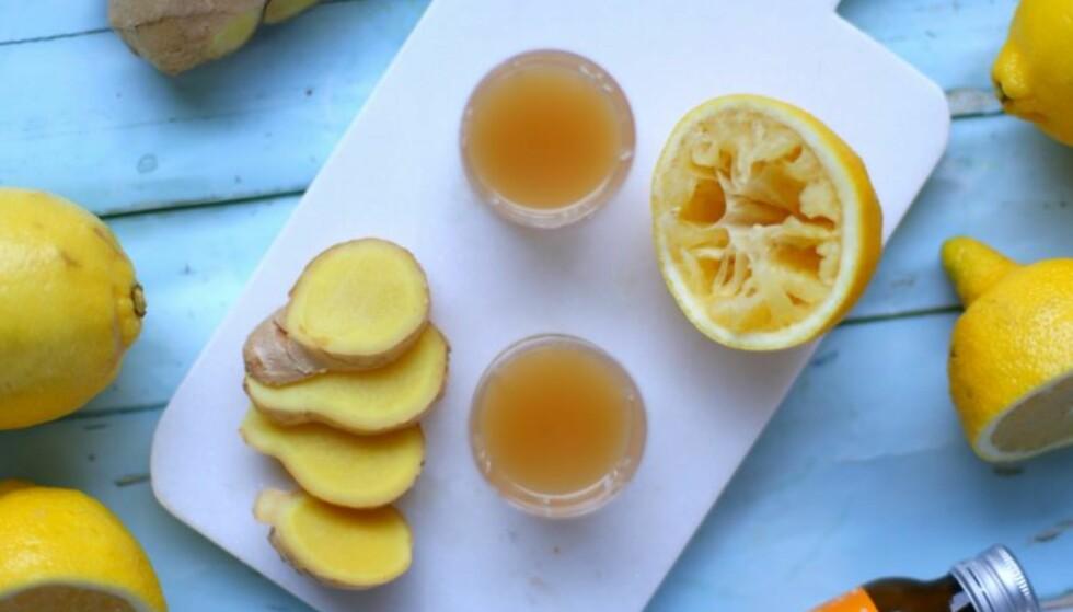 Forkjøla? Slik lager du ingefær og sitron-shot!