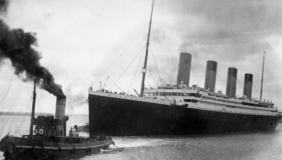 JOMFRUTUR: Den 10. april 1912 la RMS Titanic ut på sin aller første tur, fra Southampton i England til New York i Amerika. Båten skulle aldri nå andre siden av Atlanteren. Foto: NTB Scanpix