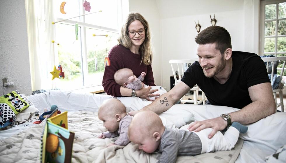 ALDRI NOK HENDER: Petra og Mads med barna Wilma, Harald og Rosa. FOTO: Niels Hougaard