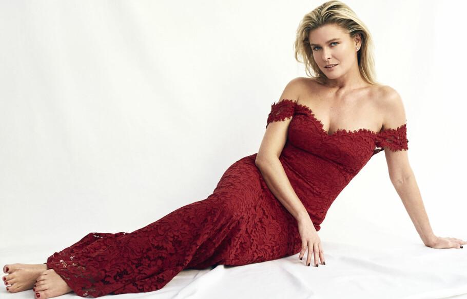VENDELA KIRSEBOM: - Mote for meg er kjempegøy! Det er luksus å bli stylet og få på meg fantastiske kjoler, sier Vendela. FOTO: Janne Rugland