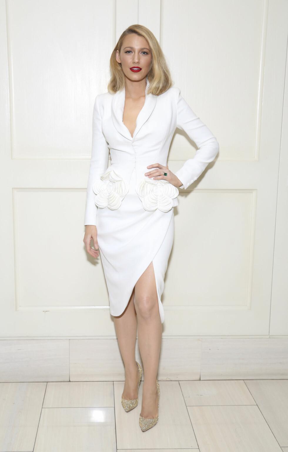 4. Da hun deltok på visningen av «All I see is you» i denne helhvite kjoledressen. Foto: NTB Scanpix