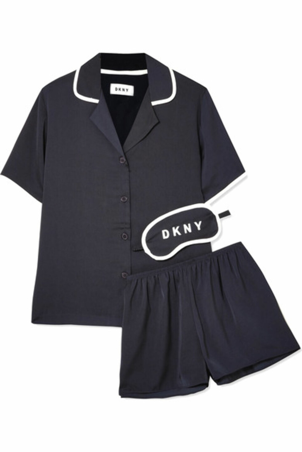 Pysj fra DKNY via Net-a-porter.com |730,-| https://www.net-a-porter.com/no/en/product/975103/DKNY/never-sleeps-washed-satin-pajama-set