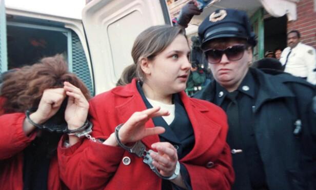 ARRESTERT: Louise Woodward fotografert på vei inn i retten i Newton, Massachusetts, bare fire dager etter at Matthew døde som følge av hjerneblødning. FOTO: NTB Scanpix