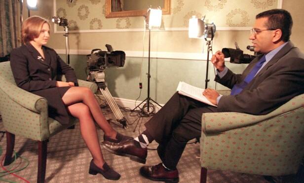 GA ETT INTERVJU: Sommeren 1998 stilte Louise Woodward opp i BBC-programmet «Panorama», hvor reporter Martin Bashir intervjuet henne. Hun var tydelig på at hun ikke ønsker å profittere på å selge historien sin, og fikk heller ikke betalt for å stille opp for BBC. Foto: NTB Scanpix