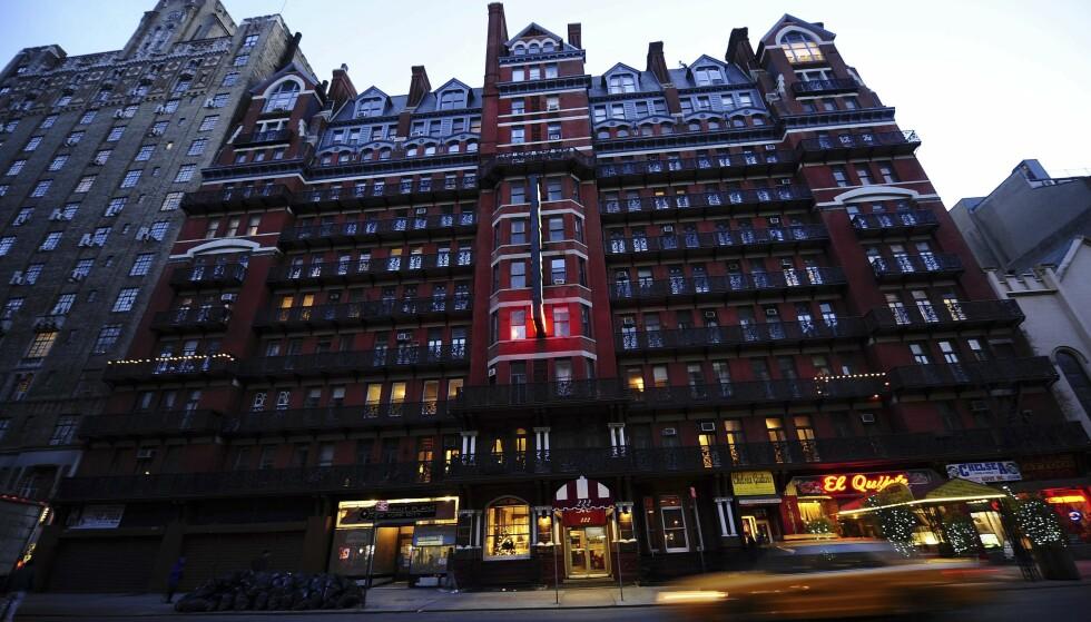 KRIM FRA VIRKELIGHETEN: I løpet av årene har en rekke store kjendiser vandret i korridorene til Hotel Chelsea. Det var lange kjent som et slags fristed for strevende musikere og forfattere. FOTO: NTB Scanpix