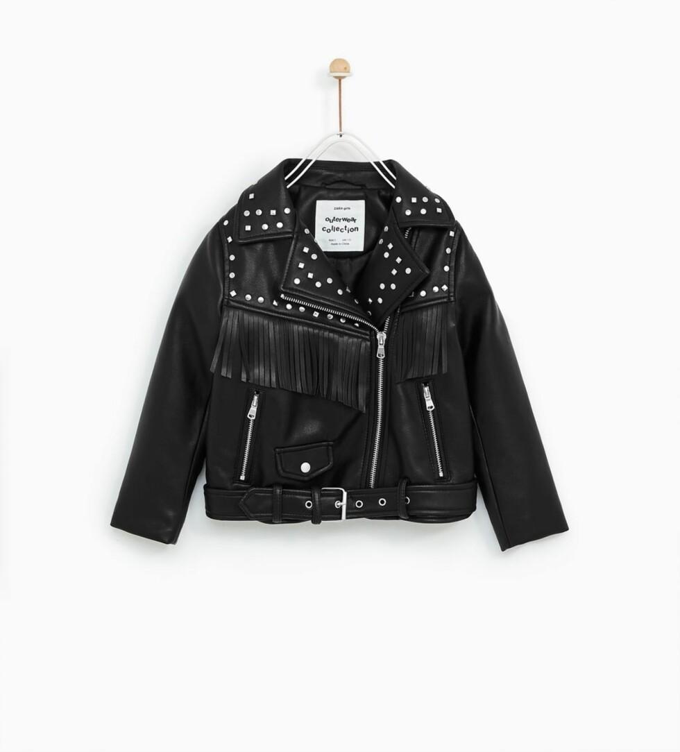 Bikerjakke fra Zara  479,-  https://www.zara.com/no/no/biker-jacket-p05070600.html?v1=5400547&v2=745003