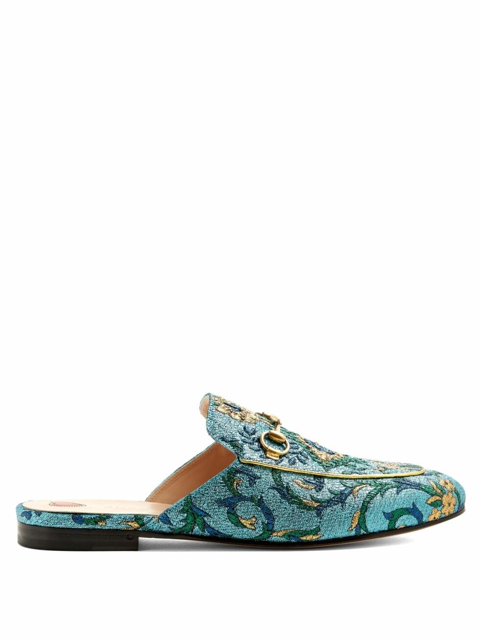 Loafers fra Gucci via Matchesfashion.com  4790,-  https://www.matchesfashion.com/intl/products/Gucci-Princetown-jacquard-backless-loafers--1096002
