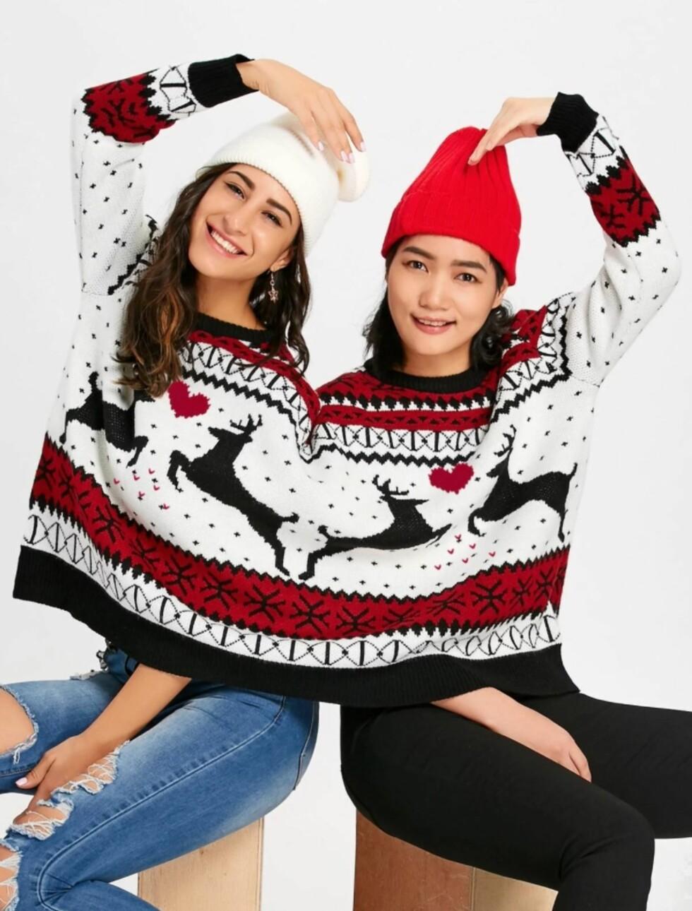 Genser via Rosegal |254,-| https://www.rosegal.com/sweaters/reindeer-two-person-christmas-sweater-1517912.html