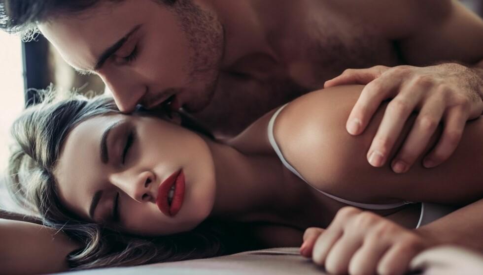 PLEIE FORHOLDET: Sex er viktig for intimiteten og nærheten i et forhold. Og husk at god sex også kan øke sexlysten. Foto: Scanpix.