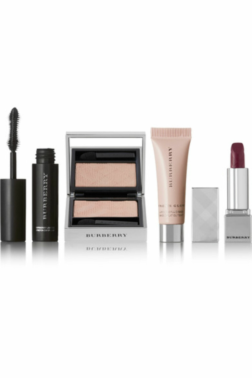 Beauty box fra Burberry |360,-| https://www.net-a-porter.com/no/en/product/1015471/burberry_beauty/festive-beauty-box