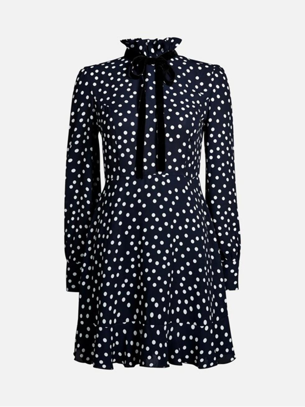 Kjole fra Bik Bok |399,-| https://bikbok.com/no/p/kjoler/elsa-kjole/7206921_F580