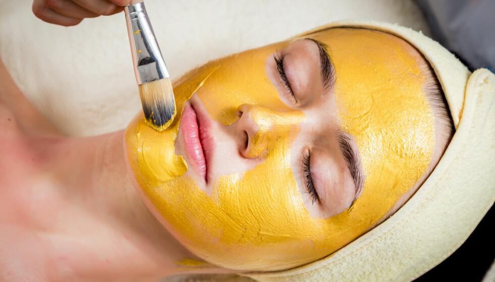 GULL: Gull er absolutt ikke et nytt skjønnhetstriks! Kleopatra sverget til å sove med maske av gull om natten slik at huden skulle gløde når hun våknet opp morgenen etter. FOTO: NTB Scanpix
