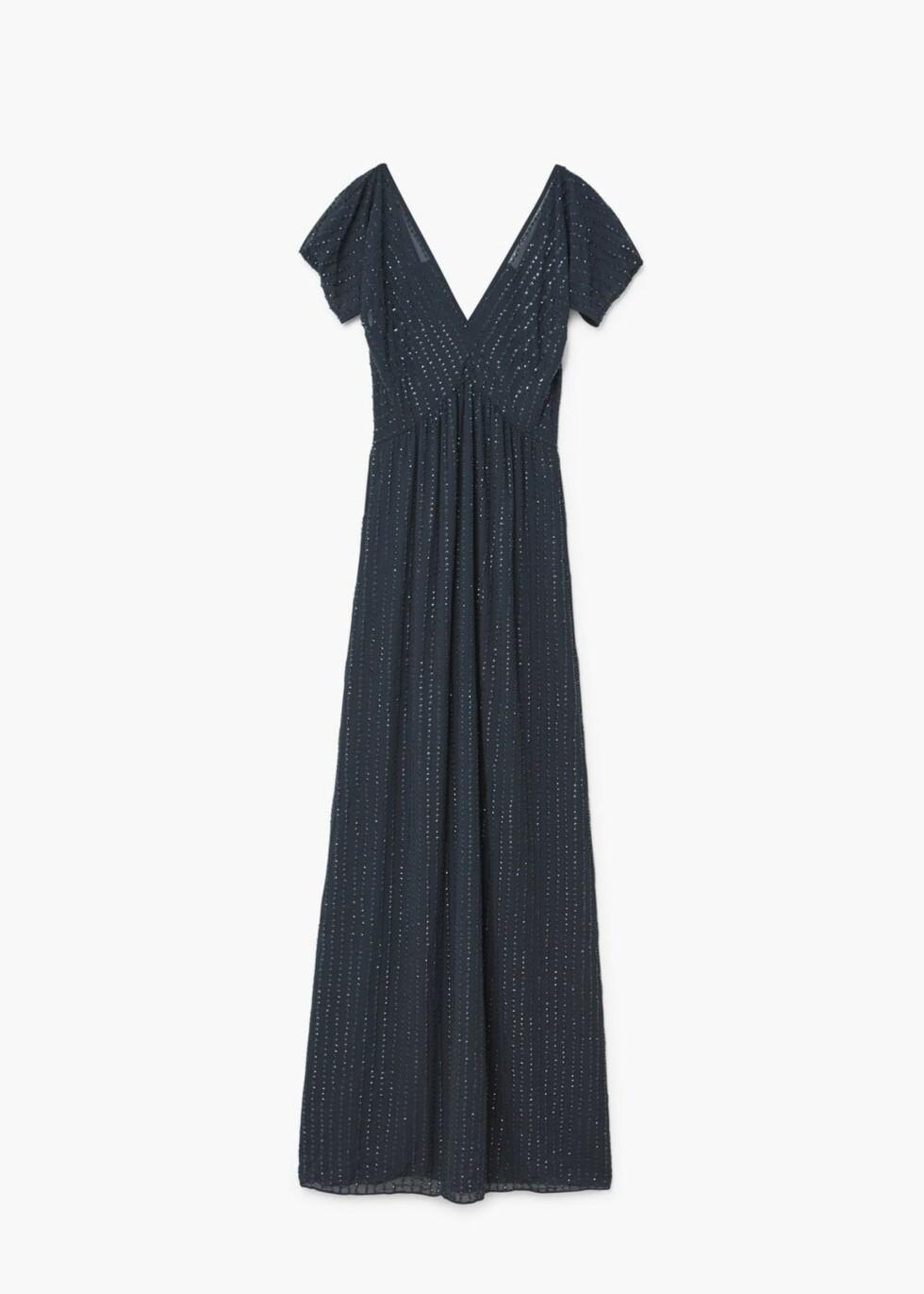 Kjole fra Mango |1799,-| https://shop.mango.com/no/damer/kjoler-lang/kjole-med-paljettbroderi_13083698.html?c=69&n=1&s=prendas.familia;32.dresses32;Largos&ts=1513092419604