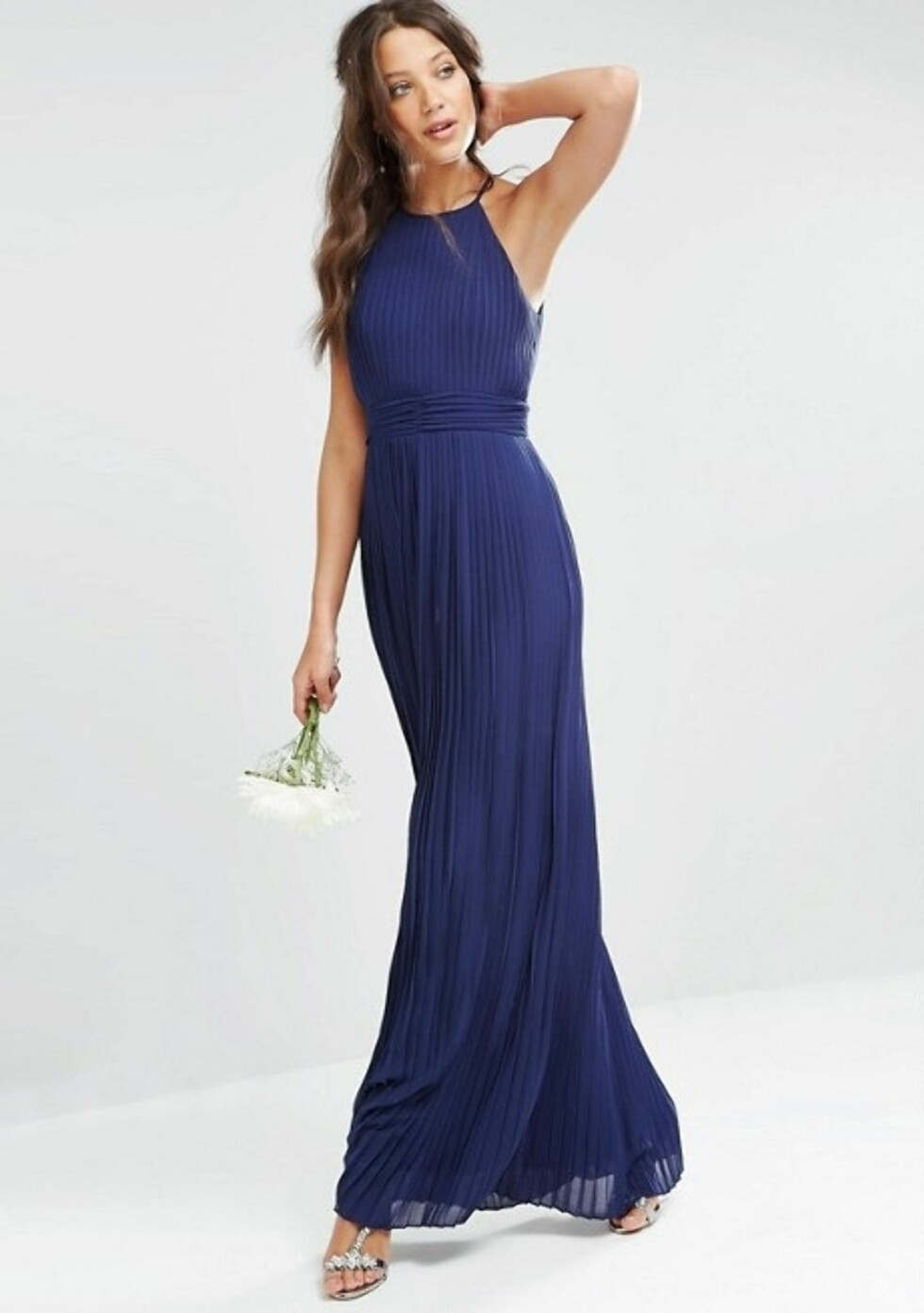 Kjole fra TFNC via Asos.com |558,-| http://www.asos.com/tfnc-tall/tfnc-tall-wedding-high-neck-pleated-maxi-dress/prd/8553334?clr=navy&SearchQuery=prom%20dress&gridcolumn=1&gridrow=15&gridsize=4&pge=4&pgesize=72&totalstyles=1606