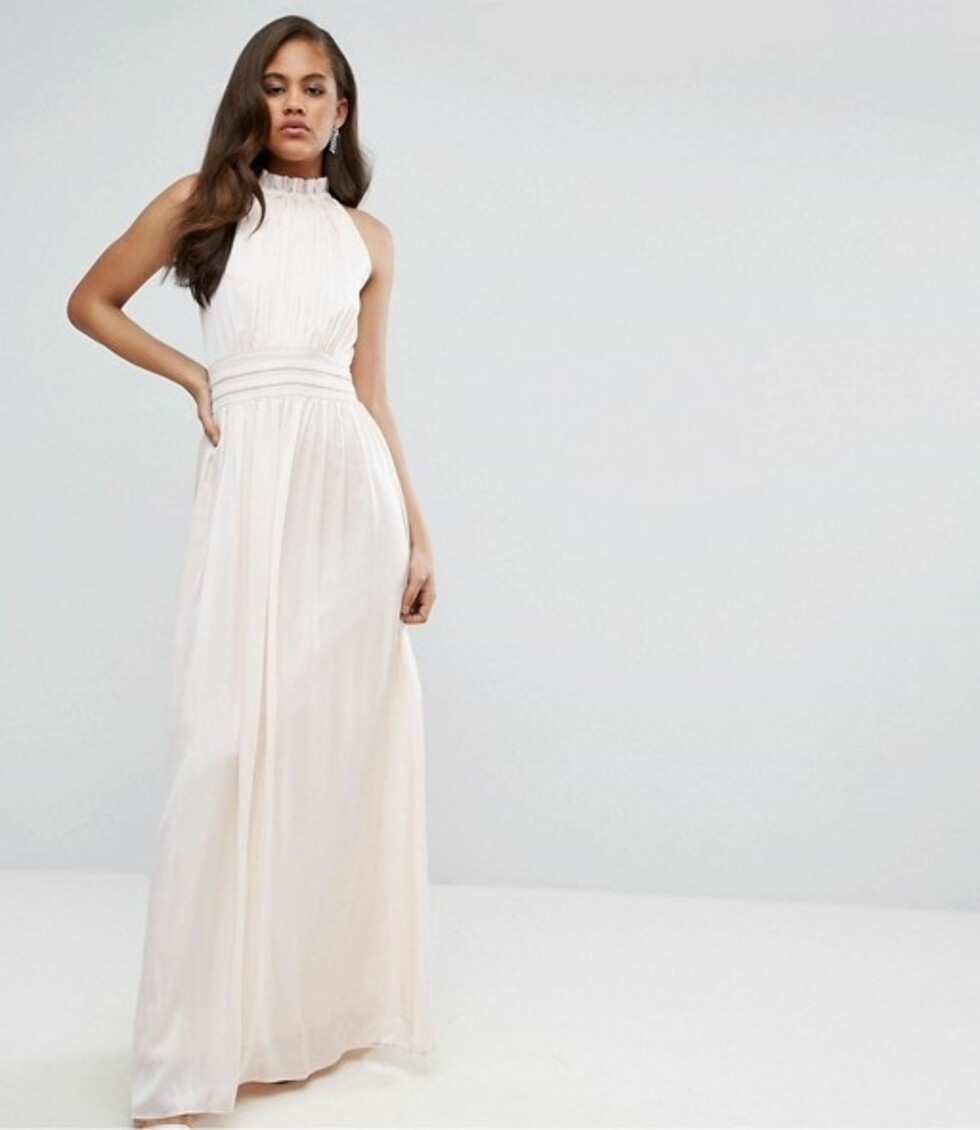 Kjole fra Little Mistress Tall via Asos.com |755,-| http://www.asos.com/little-mistress-tall/little-mistress-tall-ruched-pleated-maxi-prom-dress/prd/7985087?clr=nude&SearchQuery=prom%20dress&gridcolumn=1&gridrow=4&gridsize=4&pge=2&pgesize=72&totalstyles=1606