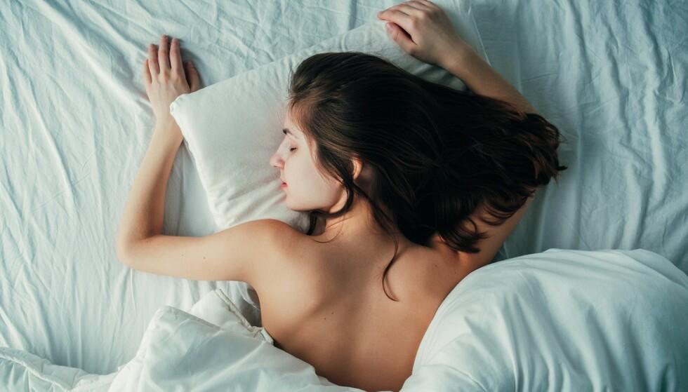 SØVNPROBLEMER: Ifølge ekspertene kan det å få nok dagslys hjelpe deg som sliter med søvnen i mørketiden. FOTO: NTB Scanpix