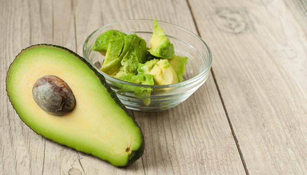 <strong>AVOKADO:</strong> Avokado er en frukt proppfull av næringsstoffer. Nå vil det dukke opp en ny og mer lettvint variant av den grønne skjønnheten. FOTO: NTB Scanpix