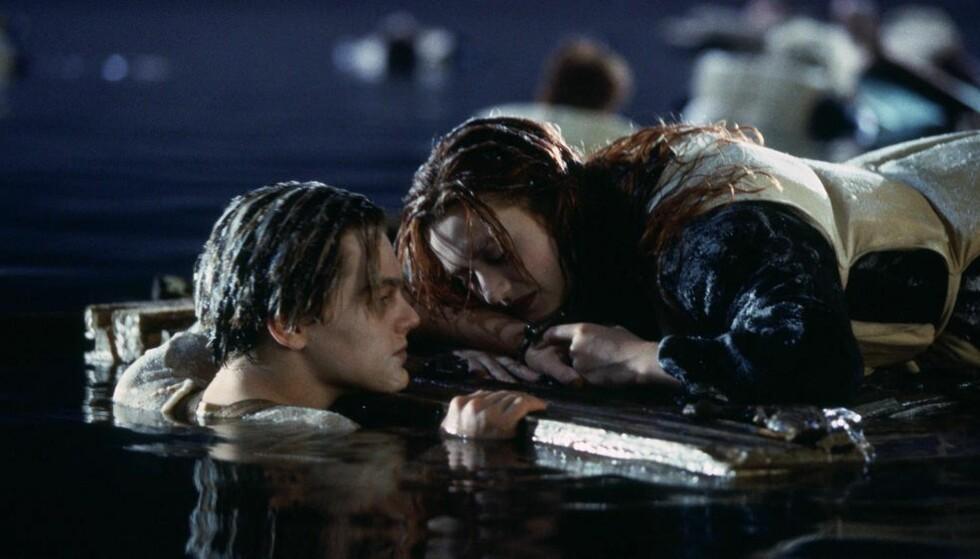 PLASS TIL TO: Hadde det vært plass til to på den døra, om bare Rose flyttet på seg? Eller, kanskje ikke Jack egentlig var det i det hele tatt? Foto: Titanic
