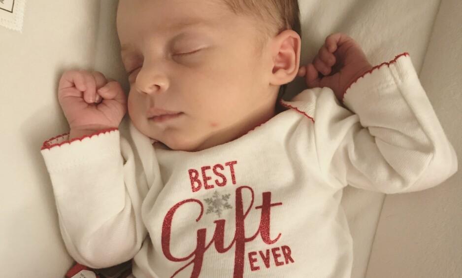 EMBRYODONASJON: Lille Emma Gibson vet det ikke ennå, men er sannsynligvis innehaver av en helt spesiell verdensrekord. Foto: NTB Scanpix