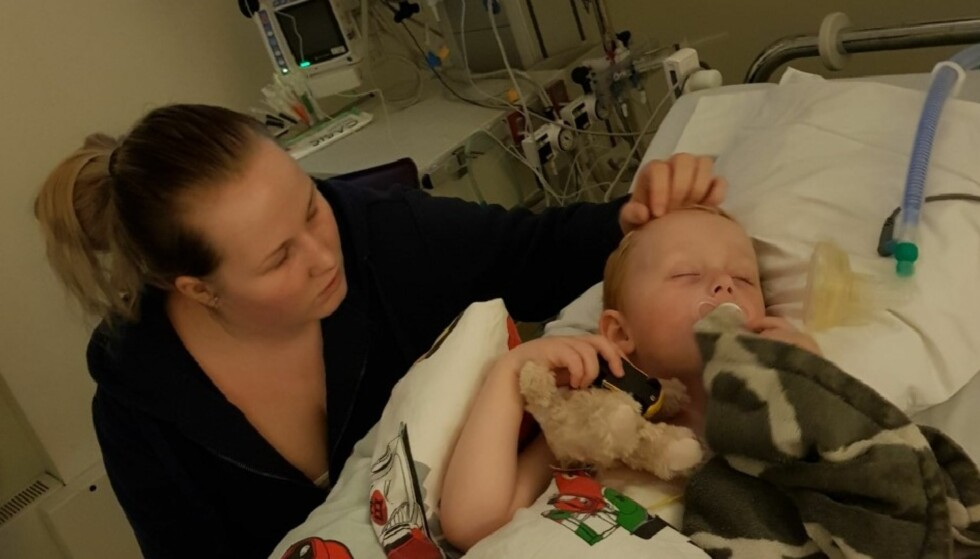 <strong>SJELDEN SYKDOM:</strong> Liam André ble alvorlig syk, og mor Katrine var livredd for å miste sønnen sin. FOTO: Privat