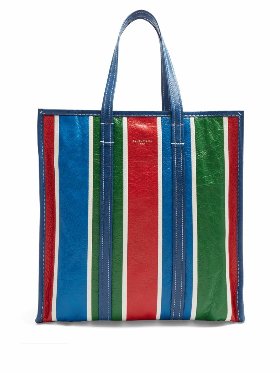 Veske fra Balenciaga  7755,-  https://www.matchesfashion.com/intl/products/Balenciaga-Bazar-shopper-M-1153534