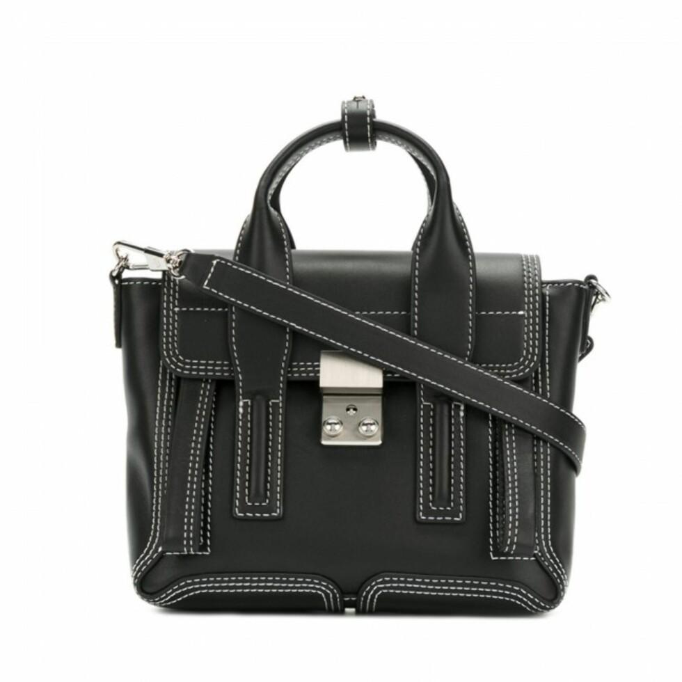 Veske fra Phillip Lim  4000,-  https://www.ymeuniverse.com/no/sale/women/bags/pashli-mini-satchel-75581