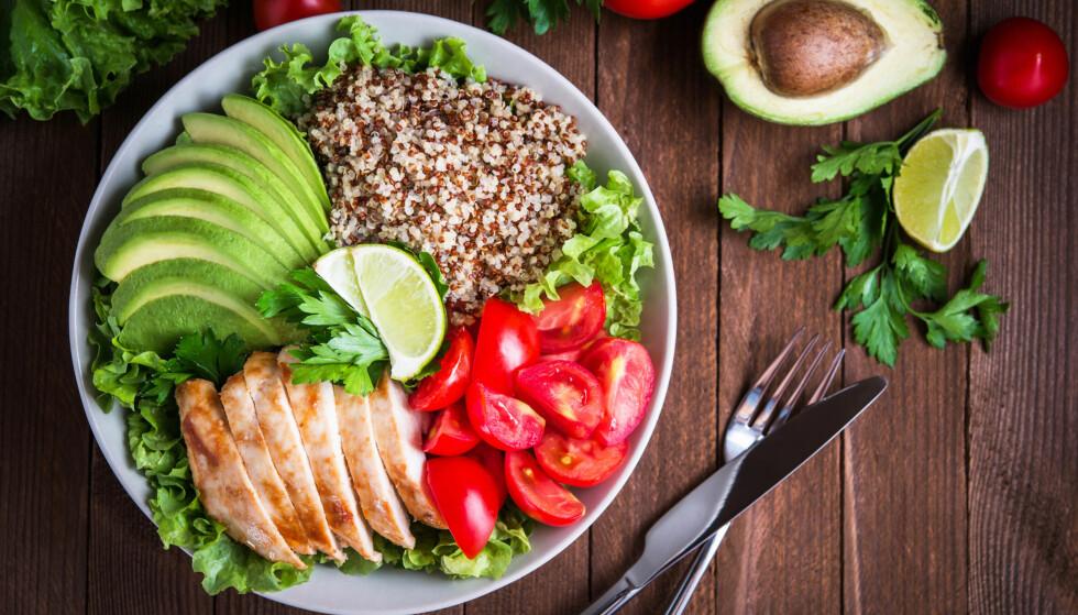 STØRRELSE PÅ TALLERKEN: En porsjon for liten eller en porsjon for stor? Ifølge ekspertene bør det variere fra person til person. FOTO: NTB scapix