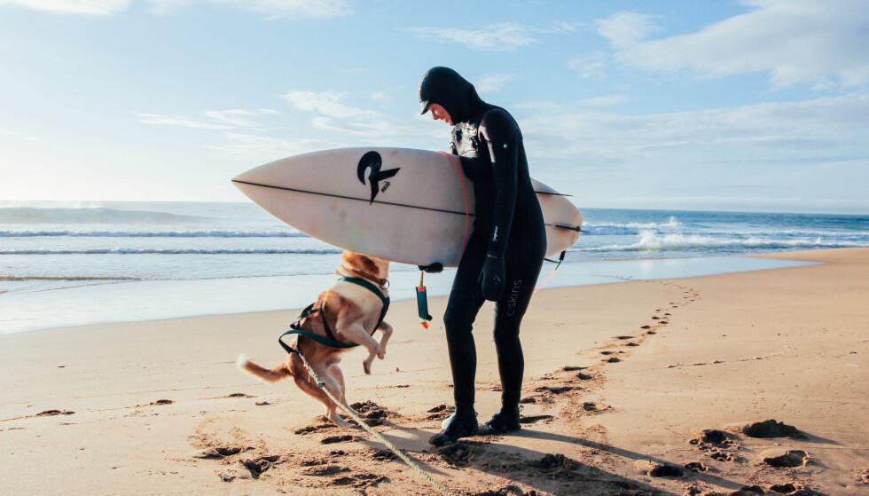 BLE IKKE MYE SURFING: Kristine fikk ikke surfet så mye, på grunn av dårlige forhold og mangel på isbjørnvakt. FOTO: Privat