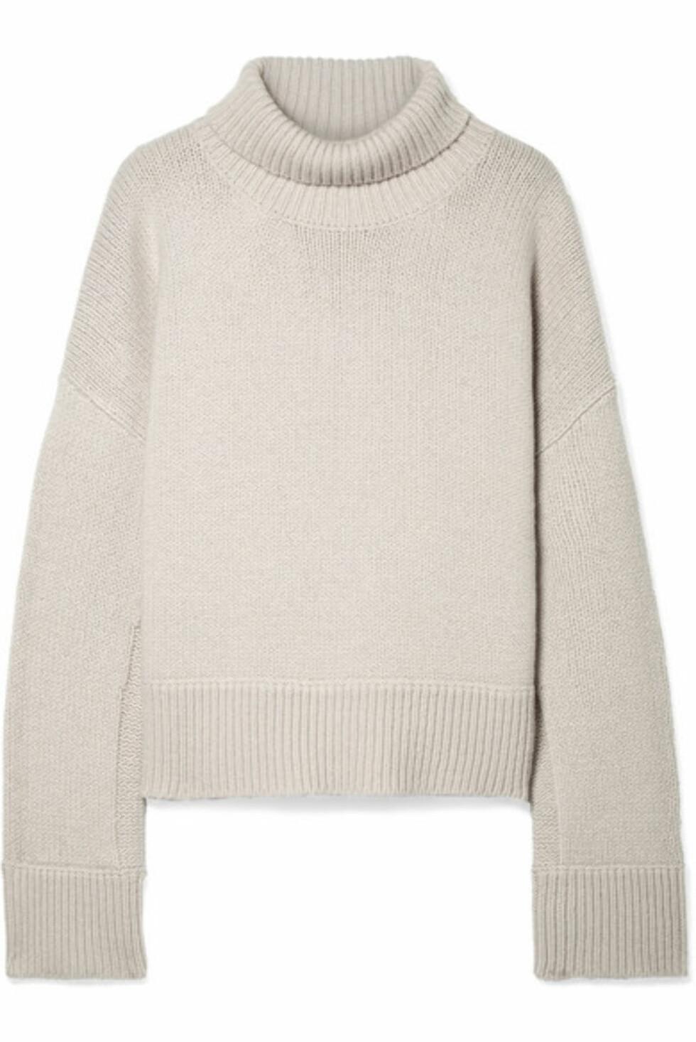 Genser fra By Malene Birger |2800,-| https://www.net-a-porter.com/no/en/product/991828/By_Malene_Birger/jaquee-oversized-merino-wool-blend-turtleneck-sweater