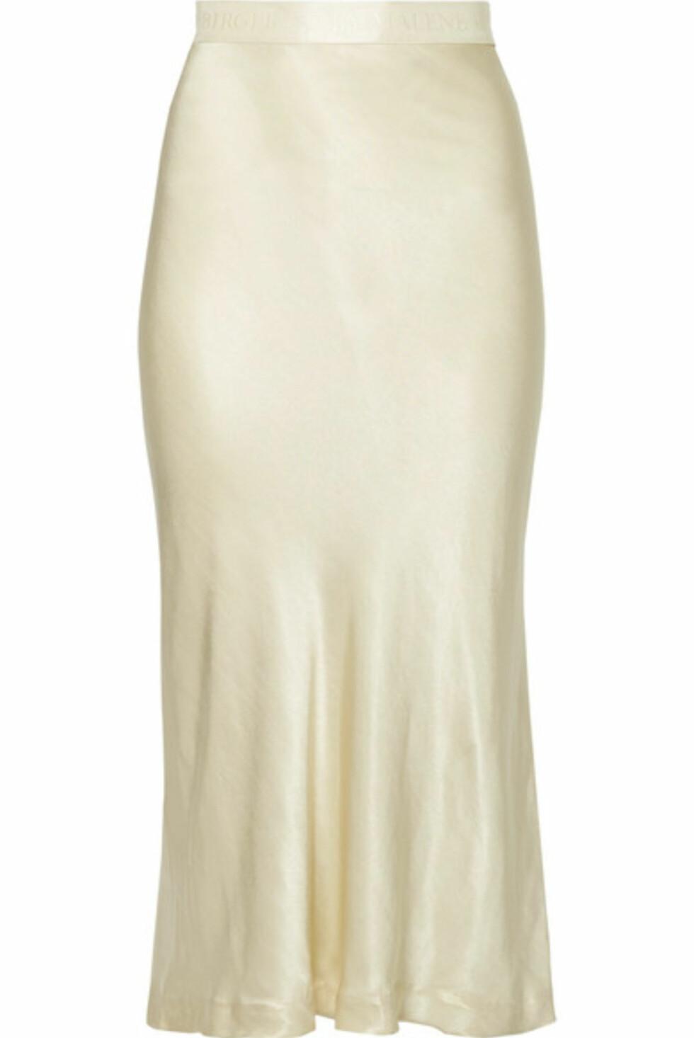 Skjørt fra By Malene Birger |2800,-| https://www.net-a-porter.com/no/en/product/991829/By_Malene_Birger/kimberley-satin-midi-skirt-