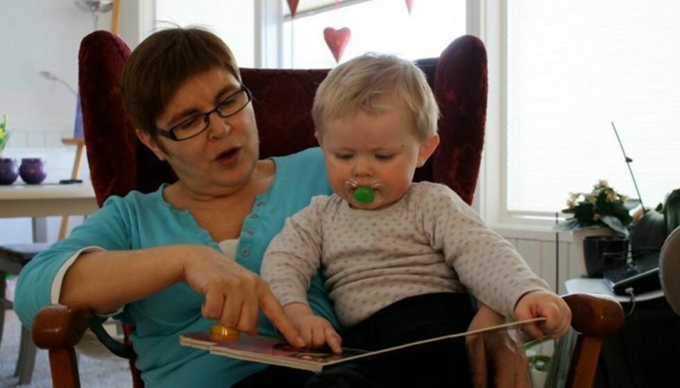 UNG BESTEMOR OG OLDEMOR: Bente var bare 32 år gammel da hun ble bestemor og 20 år senere ble hun oldemor! Foto: Privat