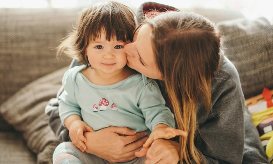 VIKTIG Å GI MASSE ROS: Dersom man unnlater å rose barn kan det ifølge pedagogene føre til uønsket atferd. Foto: veryulissa/NTB scanpix