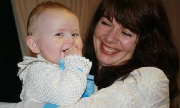 STOLT BESTEMOR: Vibeke ble i likhet med moren sin også bestemor i ung alder, da hun var bare 34 år. Foto: Privat