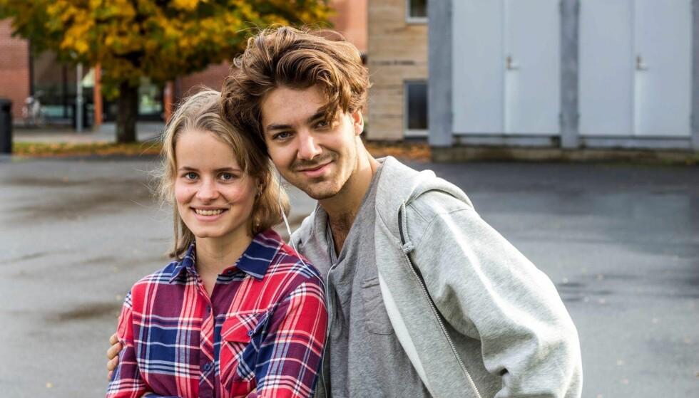 MØTTES PÅ FOLKEHØGSKOLEN: Karoline forteller at kjæresten Casper er veldig tålmodig og forståelsesfull, noe som er ekstra viktig i hennes situasjon. FOTO: Privat